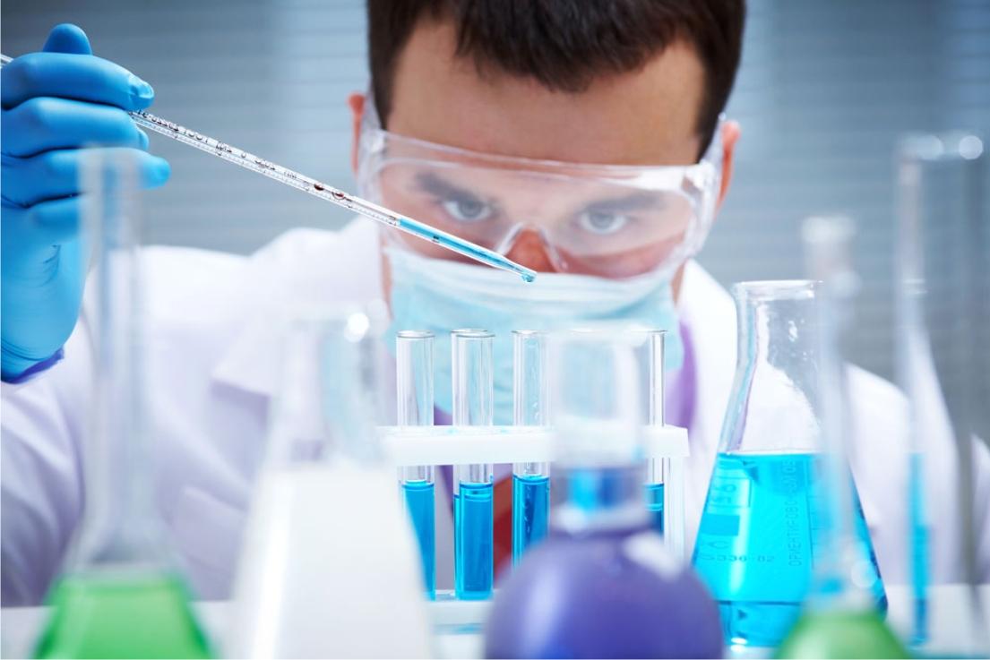 Mercado farmacêutico carece de inovação tecnológica na produção